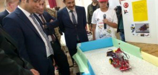 köy okulunda bilim fuarı açıldı