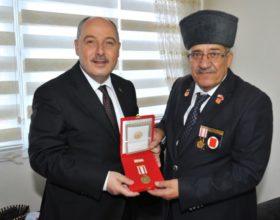VALİ COŞKUN'DAN KIBRIS GAZİLERİNE ZİYARET