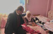 Durmuşoğlu'dan 105 yaşındaki Zeynep nineyi ziyaret..