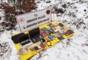 PKK'YA AİT SIĞINAKTA PATLAYICI VE ÖRGÜTSEL DOKÜMAN ELE GEÇİRİLDİ