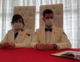 Asker çift, nikah masasına üniformalarıyla oturdu