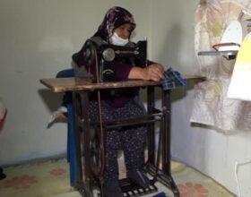 Kiraladıkları evi atölyeye çeviren kadınlar, el işi çeyizlik üretip satıyorlar